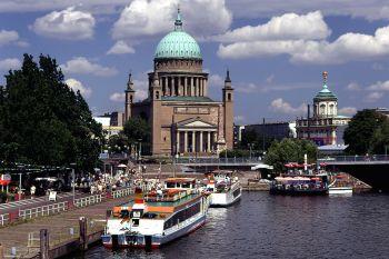 Sehenswürdigkeiten in Bandenburg Schiffe historisches Gebäude