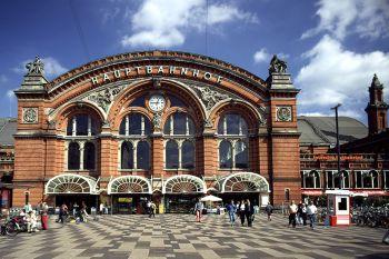 Sehenswürdigkeiten in Bremen historisches Gebäude am Hauptbahnhof
